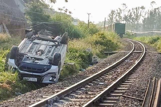 Hé lộ nguyên nhân vụ tàu hỏa tông ôtô làm 3 người thương vong ở Quảng Ngãi ảnh 1