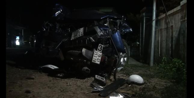 Xe bán tải tông liên hoàn 7 người thương vong: Tài xế không có giấy phép lái xe ảnh 1