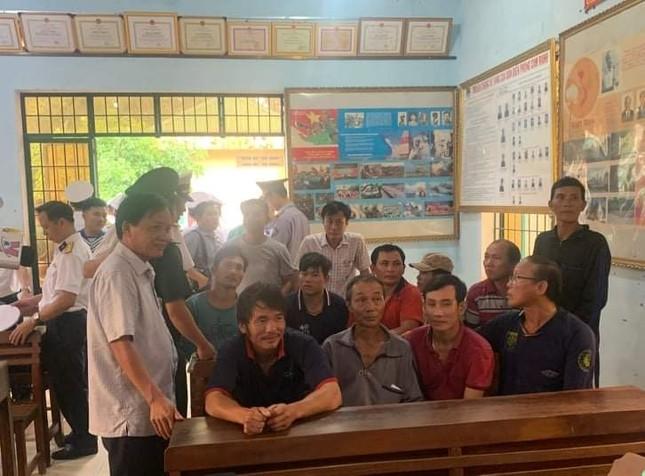 Đón về quê các ngư dân Bình Định gặp nạn trên đường đi cứu nạn ảnh 1