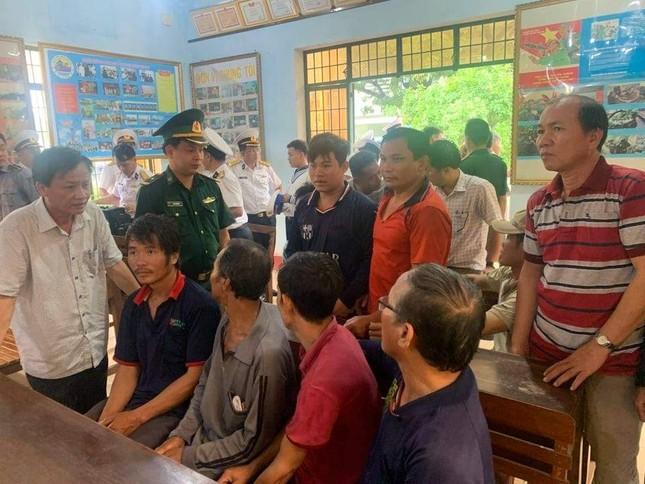 Đón về quê các ngư dân Bình Định gặp nạn trên đường đi cứu nạn ảnh 2