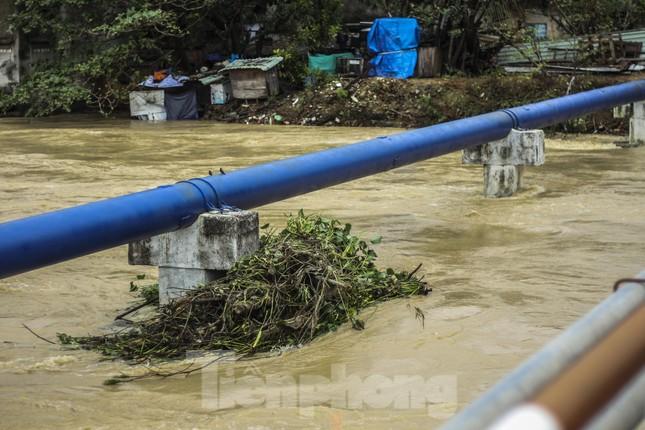 Lũ dâng nhanh, đường phố Quy Nhơn thành sông, hơn 500 hộ dân bị ngập ảnh 1
