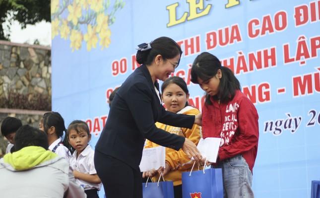Tuổi trẻ Bình Định làm nhiều phần việc ý nghĩa chào mừng 90 năm ngày thành lập Đoàn ảnh 3