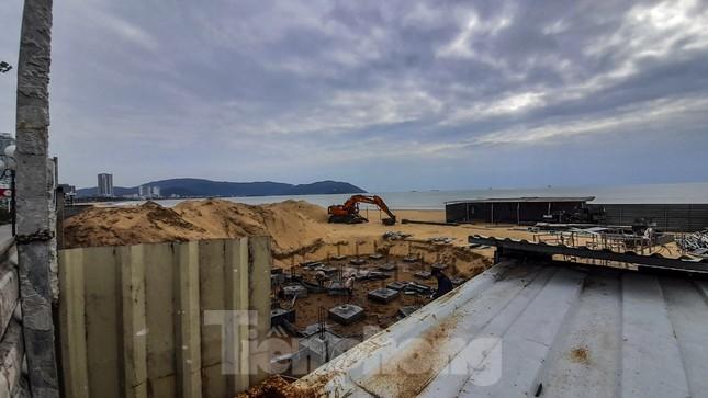 Công trình khu dịch vụ xây trái phép trên biển Quy Nhơn ảnh 2