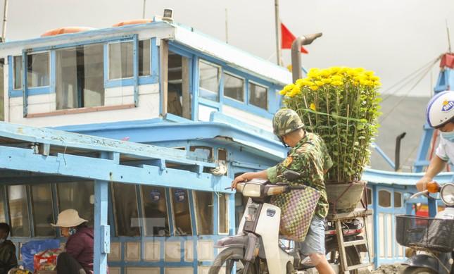 'Mang Tết' ra đảo Cù Lao Xanh ảnh 1