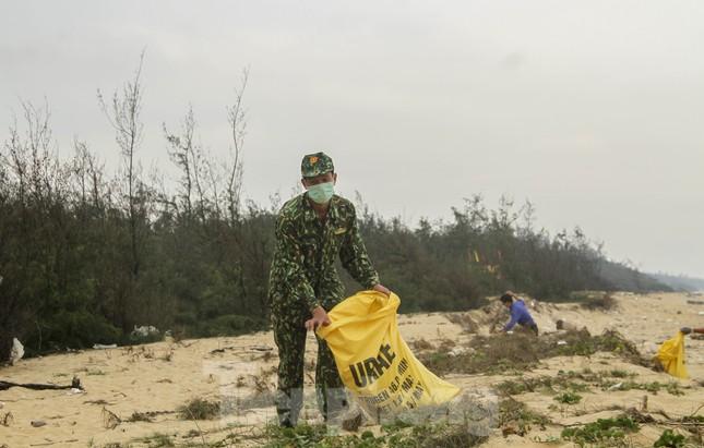 Bình Định ra quân chương trình 'Tháng ba biên giới' ảnh 4