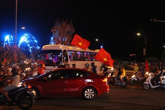 Đà thành đêm trắng ăn mừng Olympic Việt Nam ảnh 7