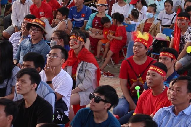 CĐV Đà Nẵng thất thần sau trận thua của Olympic Việt Nam ảnh 5