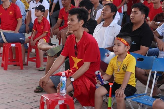 CĐV Đà Nẵng thất thần sau trận thua của Olympic Việt Nam ảnh 2