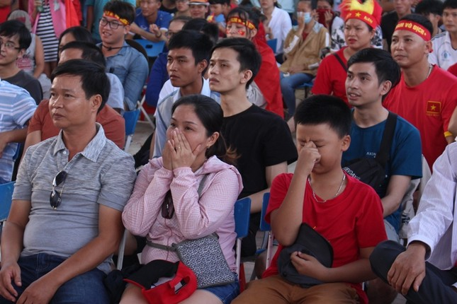 CĐV Đà Nẵng thất thần sau trận thua của Olympic Việt Nam ảnh 3