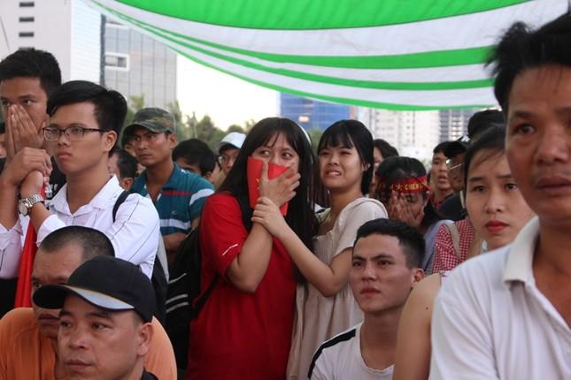 CĐV Đà Nẵng thất thần sau trận thua của Olympic Việt Nam ảnh 4