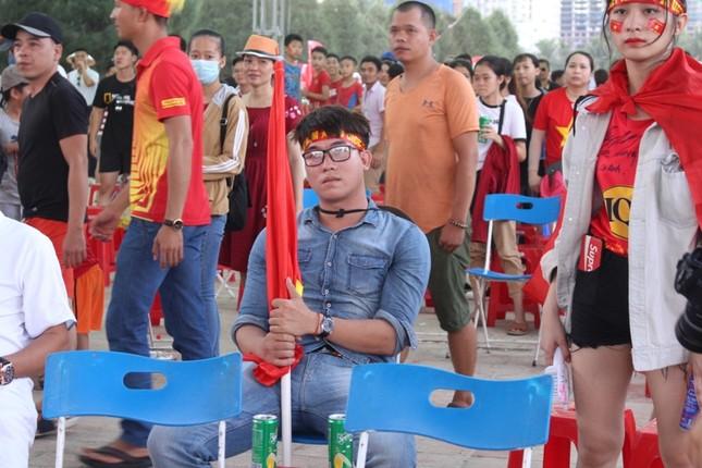 CĐV Đà Nẵng thất thần sau trận thua của Olympic Việt Nam ảnh 6