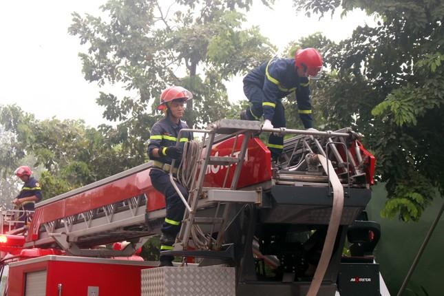 1000 người diễn tập chữa cháy tại Đà Nẵng ảnh 4