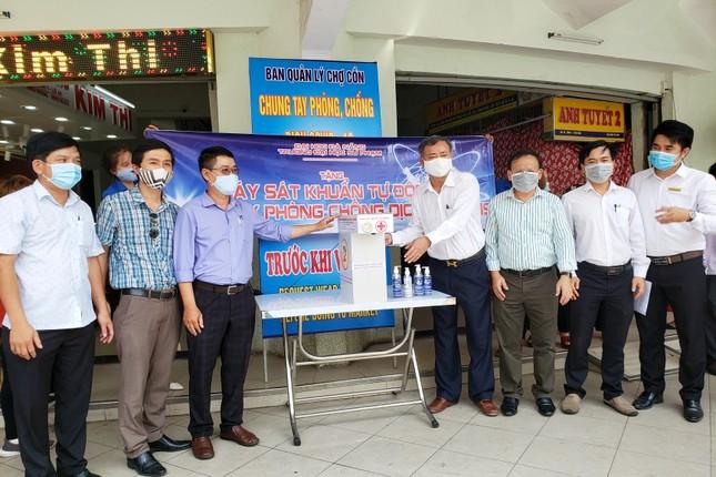 Đặt máy rửa tay sát khuẩn tự động tại các chợ lớn ở Đà Nẵng ảnh 1