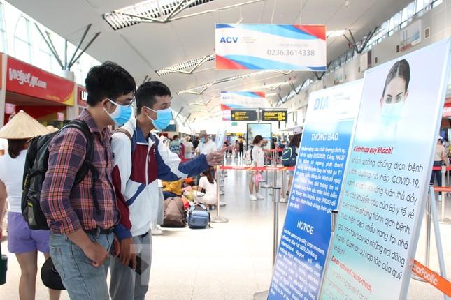 Hàng không tăng chuyến, tàu hỏa ghép toa để 'giải vây' 8 vạn khách ở Đà Nẵng ảnh 11
