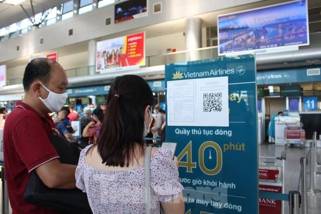 Hàng không tăng chuyến, tàu hỏa ghép toa để 'giải vây' 8 vạn khách ở Đà Nẵng ảnh 6