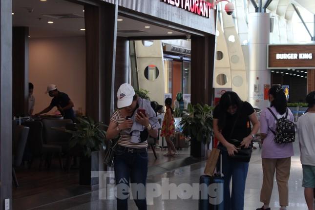Hàng không tăng chuyến, tàu hỏa ghép toa để 'giải vây' 8 vạn khách ở Đà Nẵng ảnh 3