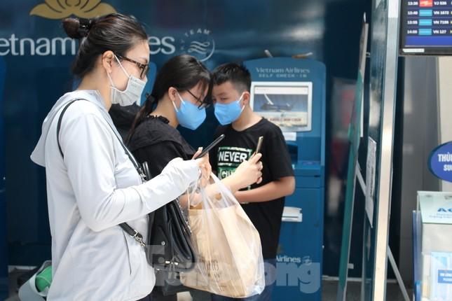 Hàng không tăng chuyến, tàu hỏa ghép toa để 'giải vây' 8 vạn khách ở Đà Nẵng ảnh 7