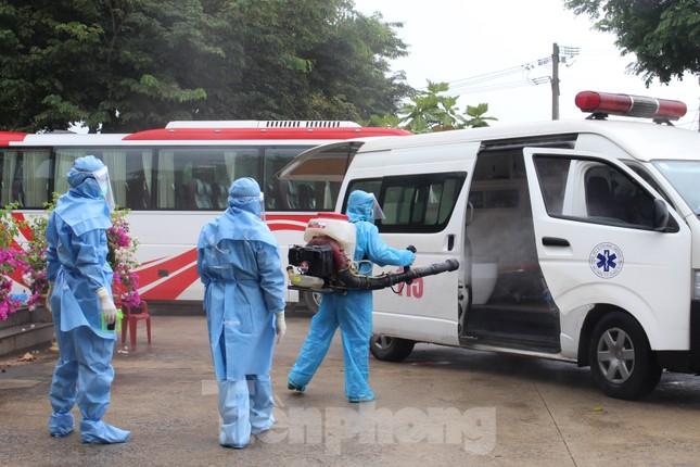 Bệnh viện dã chiến Hòa Vang chia lửa với Bệnh viện Đà Nẵng chống COVID-19 ảnh 14