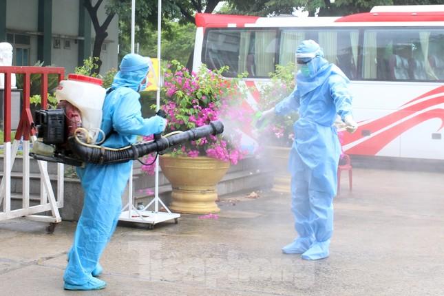 Bệnh viện dã chiến Hòa Vang chia lửa với Bệnh viện Đà Nẵng chống COVID-19 ảnh 13