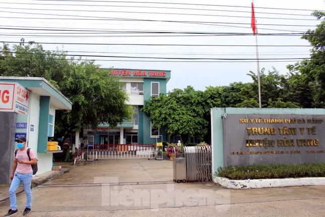 Bệnh viện dã chiến Hòa Vang chia lửa với Bệnh viện Đà Nẵng chống COVID-19 ảnh 1