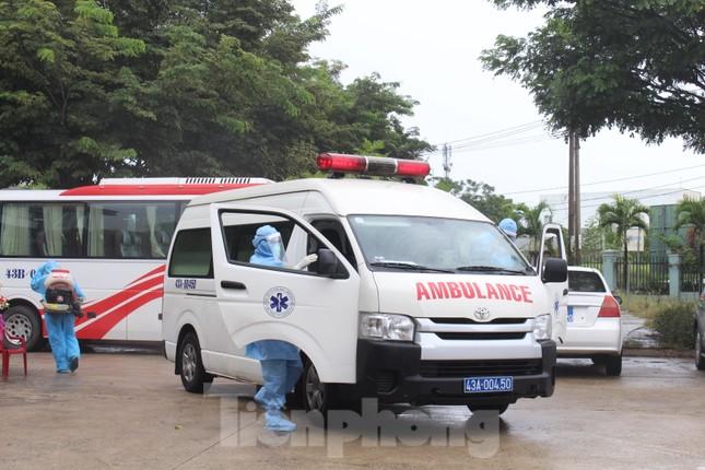 Bệnh viện dã chiến Hòa Vang chia lửa với Bệnh viện Đà Nẵng chống COVID-19 ảnh 15