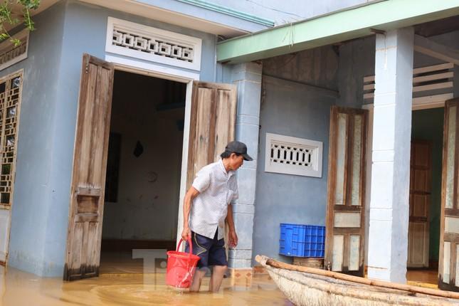 Bão số 9 vừa tan, người Đà Nẵng lại lo chạy lụt ảnh 11