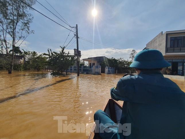 Bão số 9 vừa tan, người Đà Nẵng lại lo chạy lụt ảnh 8