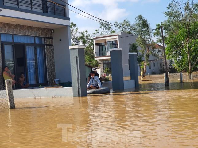 Bão số 9 vừa tan, người Đà Nẵng lại lo chạy lụt ảnh 7
