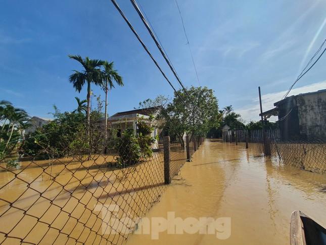 Bão số 9 vừa tan, người Đà Nẵng lại lo chạy lụt ảnh 2