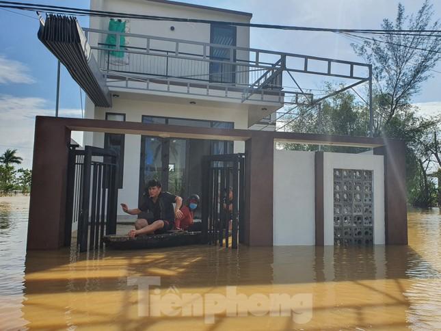Bão số 9 vừa tan, người Đà Nẵng lại lo chạy lụt ảnh 4