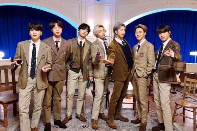 """""""Dynamite"""" thăng hạng, giúp BTS san bằng kỷ lục với đàn anh PSY trên BXH Billboard Hot 100 ảnh 3"""