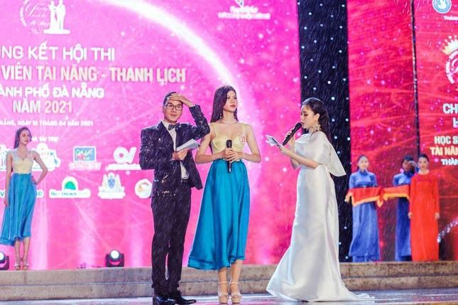 Thí sinh Tài năng Thanh lịch thành phố Đà Nẵng 2021 đăng quang dưới trời mưa tầm tã ảnh 4