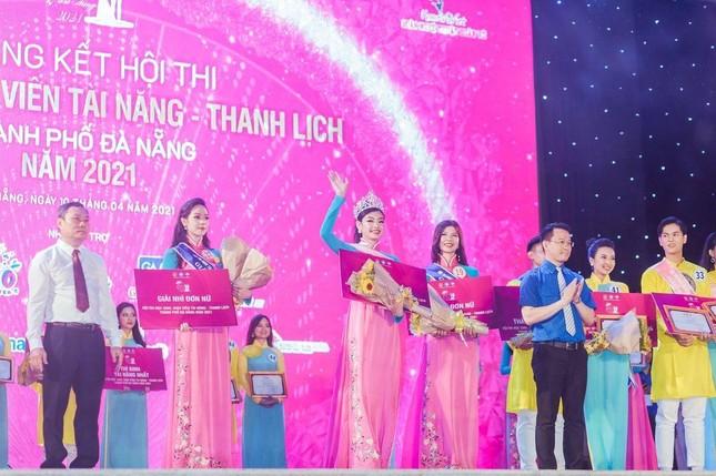 Thí sinh Tài năng Thanh lịch thành phố Đà Nẵng 2021 đăng quang dưới trời mưa tầm tã ảnh 5