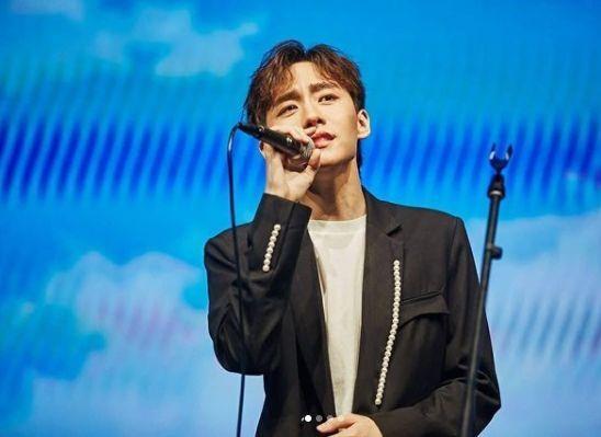 """Taew Natapohn tiếp tục cách ly, mỹ nam """"Love By Chance"""" cùng loạt sao Thái nhiễm COVID-19 ảnh 9"""