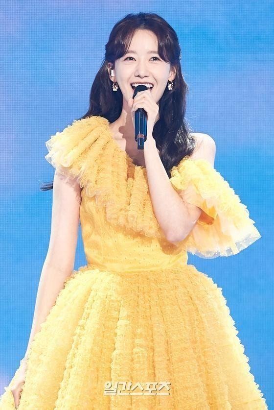 """7 nàng """"công chúa K-Pop"""" xinh đẹp như bước ra từ truyện cổ tích: Rosé, IU và còn ai nữa? ảnh 8"""