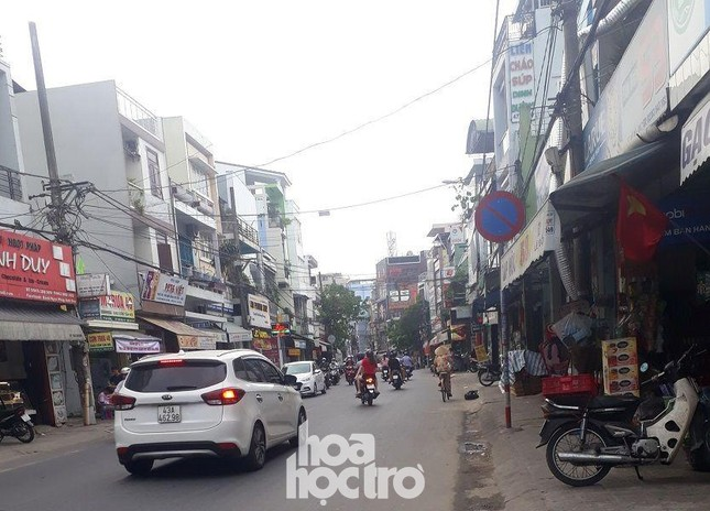 Đà Nẵng: Fan lỡ hẹn với Wowy, Dế Choắt, Tlinh... đường phố ngày lễ vắng hơn ngày thường ảnh 6