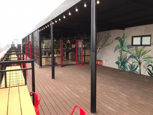 Hà Nội phố: Đổi gió với cà phê rooftop siêu xinh trong những ngày nắng lên ảnh 2