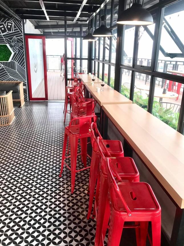 Hà Nội phố: Đổi gió với cà phê rooftop siêu xinh trong những ngày nắng lên ảnh 3