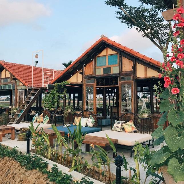 """Những cửa tiệm cà phê có """"view"""" độc đáo nhất phố cổ Hội An bạn không thể bỏ lỡ ảnh 2"""