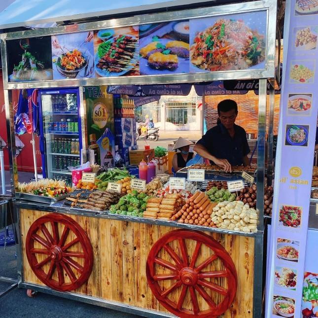 """Cùng """"oanh tạc"""" hơn 100 gian hàng ẩm thực tại Tuần lễ Món ngon ở Vũng Tàu ảnh 6"""