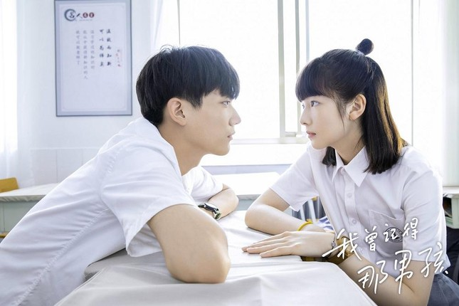 """Khi trainee """"Sáng 4"""" đóng phim: Lưu Vũ mỹ nam cổ trang, Châu Kha Vũ nam thần thanh xuân ảnh 9"""