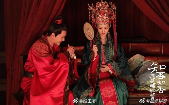 """Bị đồn là """"tiểu tam"""" làm Phùng Thiệu Phong - Triệu Lệ Dĩnh ly hôn, diễn viên này nói gì? ảnh 1"""