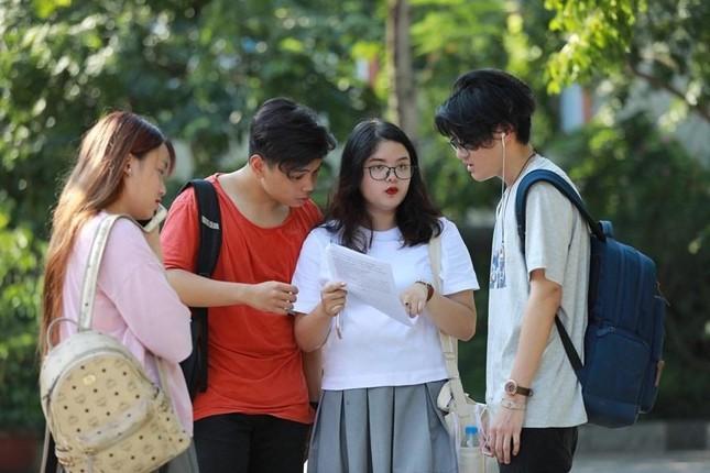 Kì thi đánh giá năng lực ĐH Quốc gia TP.HCM 2021: Hơn 3000 teen có điểm trên 900/1200 ảnh 2