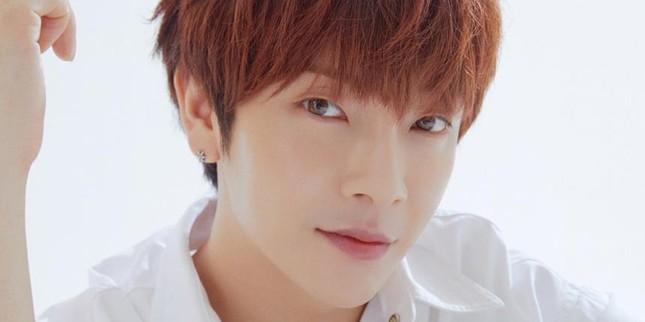 Hàn Quốc đã có nghệ sĩ đầu tiên nhiễm COVID-19, K-Pop bị dịch bệnh tấn công trực diện ảnh 1