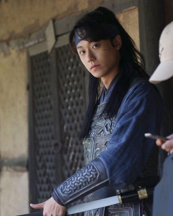 """""""Sweet Home"""" soán ngôi """"Biên Niên Sử Arthdal"""", trở thành phim Hàn được đầu tư khủng nhất ảnh 3"""