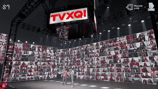 """TVXQ chứng tỏ sức hút mãnh liệt theo năm tháng trong concert online """"Beyond The T"""" ảnh 8"""