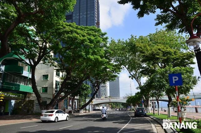 Đà Nẵng thực hiện giãn cách xã hội, tạm dừng đón khách du lịch trong 14 ngày ảnh 2