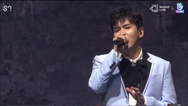 "SUPER JUNIOR - K.R.Y. cám ơn fan bằng tiếng Việt tại concert online ""Beyond LIVE""  ảnh 3"