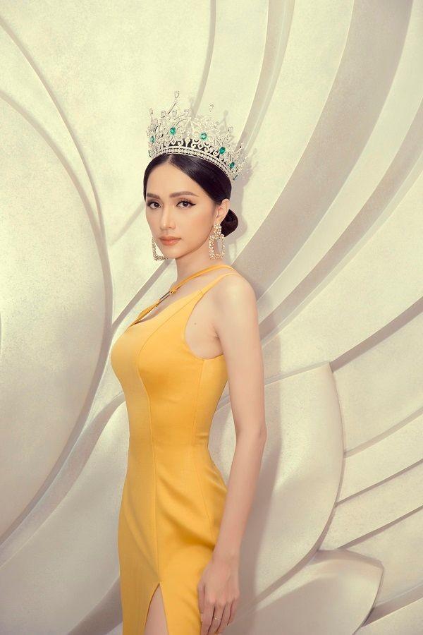 Hoa hậu Hương Giang ủng hộ 10 tấn gạo cho Đà Nẵng chống dịch COVID-19 ảnh 3