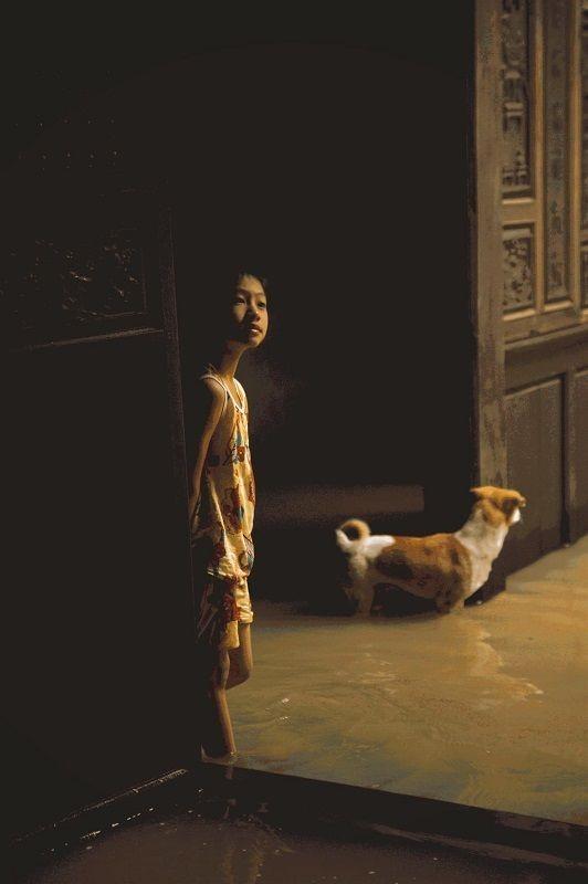 """Những câu chuyện đáng yêu đằng sau bộ ảnh """"Venice Hội An"""" thắp sáng những ngày mưa lũ ảnh 12"""
